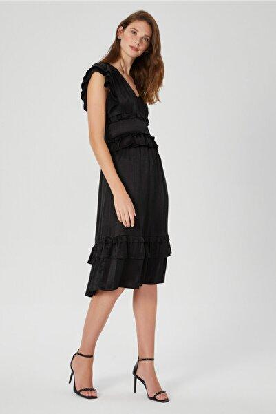 Muun Siyah Volan Detaylı Elbise
