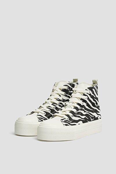 Pull & Bear Kadın  Renkli Zebra Desenli Yüksek Bilekli Spor Ayakkabı 11201740