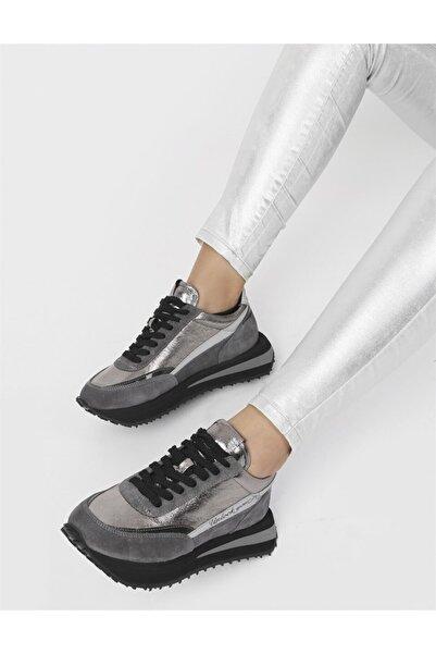 İLVİ Santıago Hakiki Süet Deri Kadın Gri Spor Ayakkabı