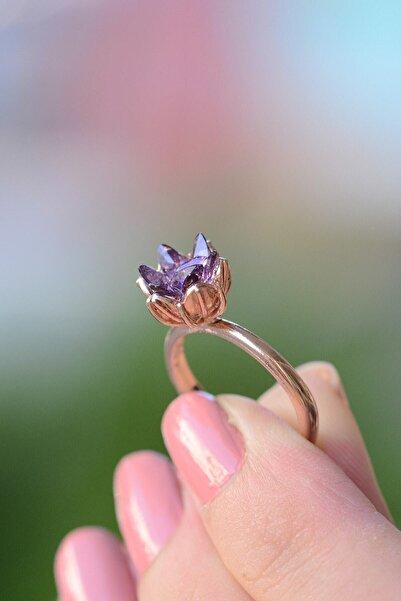 MELODİ GÜMÜŞ Kadın 14k Rose Altın Kaplama Mor Zirkon Taşlı Lotus Çiçeği Yüzük