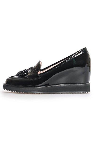 Flower Siyah Rugan Püsküllü Dolgu Topuk Ayakkabı