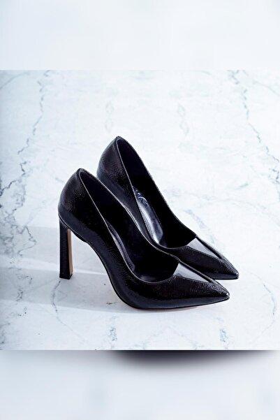 Limoya Fiona Siyah Kırışık Rugan Şeffaf Burun Detaylı Ince Topuklu Stiletto
