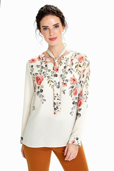 İKİLER Kadın Bej Yakası Bağcıklı Uzun Kol Desenli Bluz 190-3016-01