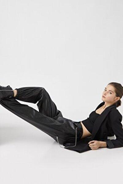 Kadın Suni Deri Zincir Detaylı Siyah Jogger Pantolon 1kal48365ıw