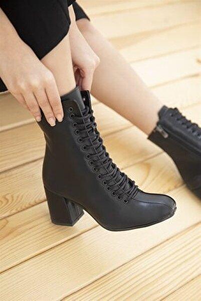 Kimona Bayan Topuklu Deri Bağcıklı Bot Siyah