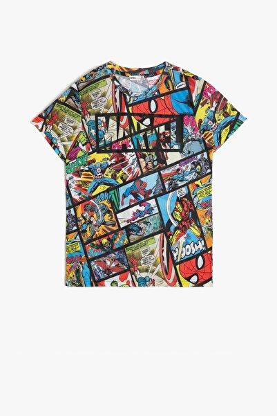 Koton Erkek Çocuk Siyah Desenli Koton Marvel Lisansli Baskılı T-Shirt
