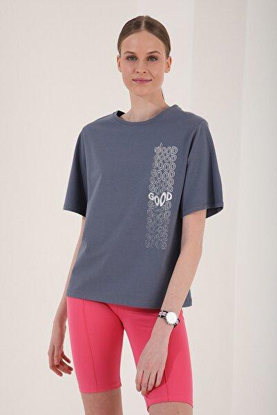 Tommy Life Kadın Petrol Deforme Yazı Baskılı Oversize O Yaka T-shirt - 97134