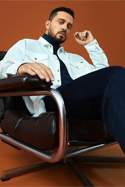 Avva Erkek Beyaz Kadife Klasik Yaka Oversized Fit Çift Cepli Gömlek A02y2152