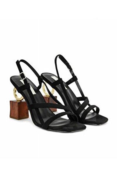 Topuk Aksesuarlı Ayakkabı
