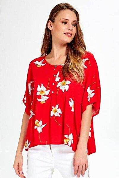 İKİLER Kadın Kırmızı Önü Düğmeli Robalı Desenli Bluz 019-02-3002