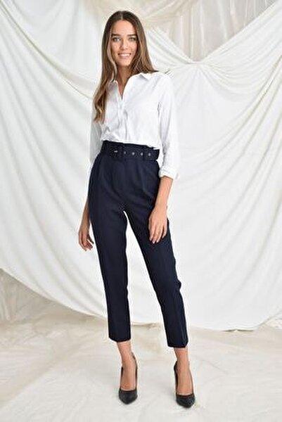Kadın Lacivert Beli Kemerli Havuç Pantolon