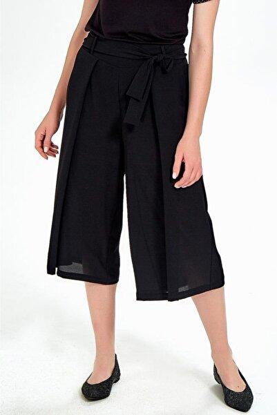 İKİLER Kadın Siyah Beli Lastikli Ve Kuşaklı Bol Kısa Pantolon