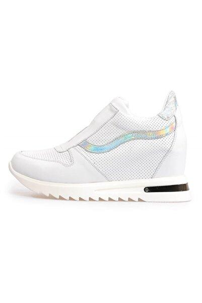 Flower Beyaz Zımbalı Deri Gizli Topuklu Ayakkabı