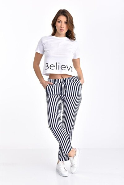 Modkofoni Believe Baskılı Beyaz Tişört Ve Çizgili Lacivert Pantolonlu Takım