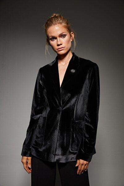 adL Kadın Siyah Yakası Broşlu Kadife Ceket 11939426000