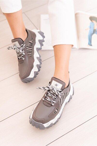 Limoya Lutzy Gri Süet Zebra Detaylı Renkli Tabanlı Sneakers