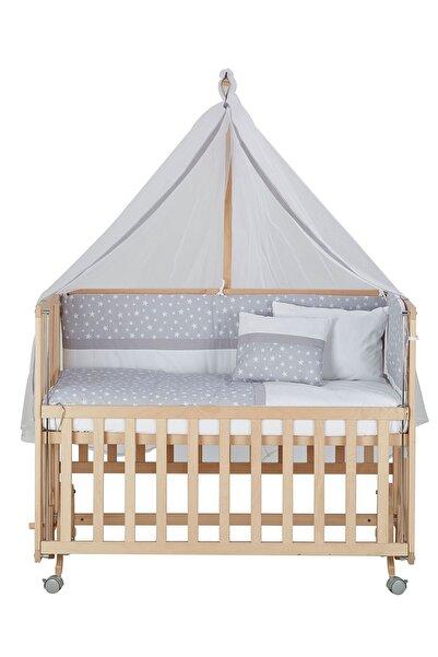Babycom Anne Yanı Doğal Boyasız Ahşap Kademeli Beşik 70x130 - Tekerlekli + Gri Yıldızlı Uyku Seti