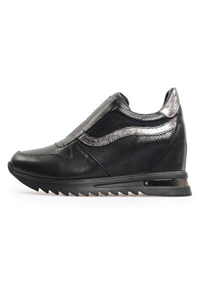 Flower Siyah Zımbalı Deri Gizli Topuklu Ayakkabı