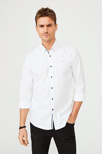 Avva Erkek Beyaz Düz Alttan Britli Yaka Slim Fit Gömlek A02y2244