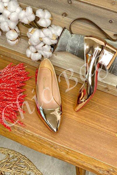 Chicbag Sivri Burun Kalın Topuk Kapalı Ayakkabı