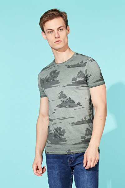 BARRELS AND OIL Basic Ağaç Baskılı T-shirt-haki