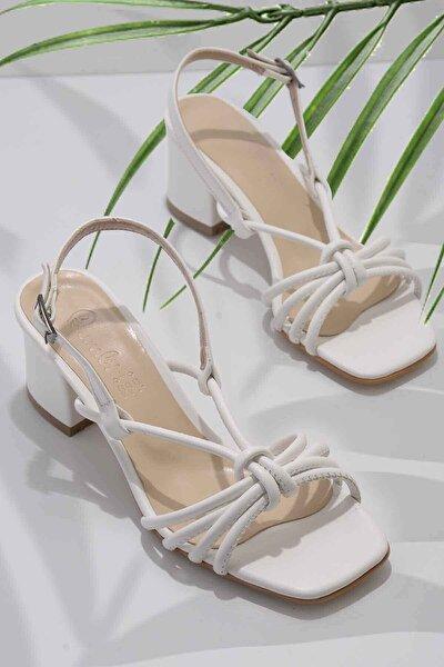 Bambi Beyaz Kadın Klasik Topuklu Ayakkabı K05888028509