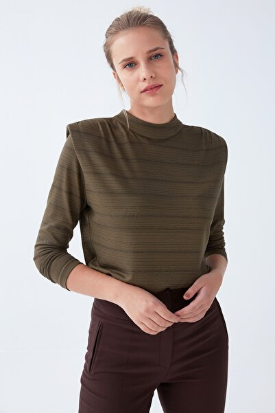 Chima Vatkalı Dik Yaka Varaklı Bluz