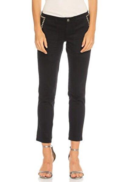 Zımba Detaylı Siyah Pantolon