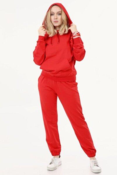 İkmal Kadın Kırmızı Kapüşonlu Takım