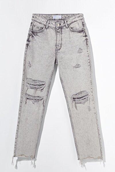 Bershka Distressed Comfort Slim Fit Jean