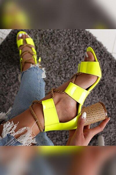 Limoya Kennedy Sarı Neon Hasır Topuklu Halat Detaylı Sandalet