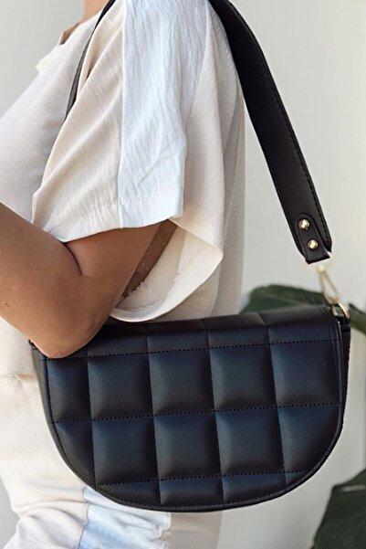Choobag Kadın Siyah Kapaklı Oval Baget Omuz Çanta