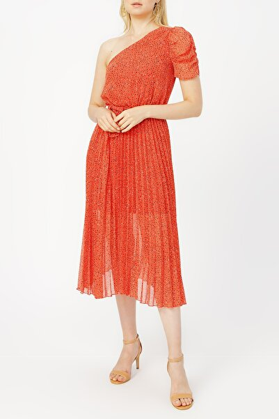 RANDOM Pilise Detaylı Tek Omuz Kırmızı Desenli Elbise %100 Polyester