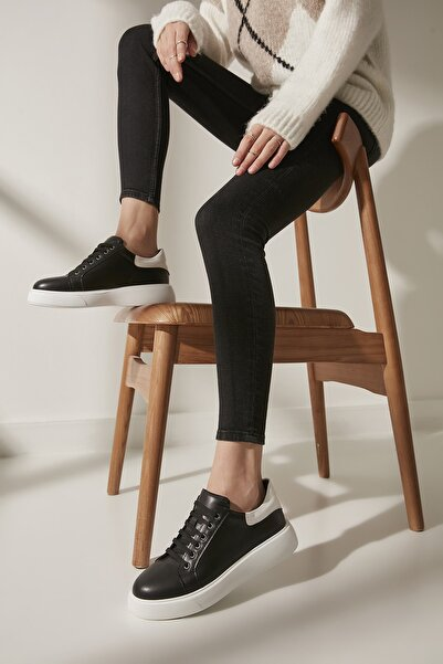 Yaya  by Hotiç Siyah Kadın Sneaker 01AYY200160A109
