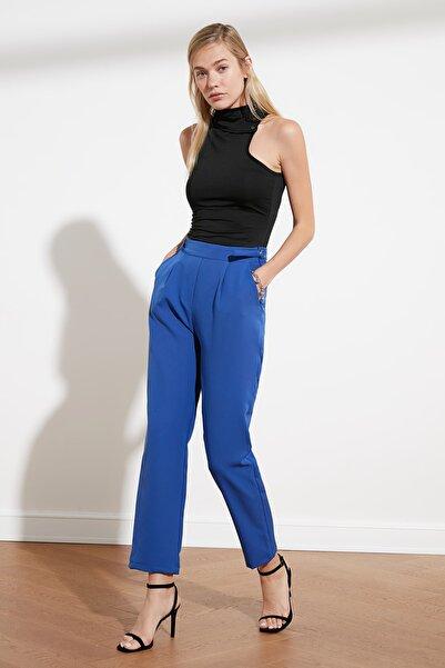 TRENDYOLMİLLA Indigo Toka Detaylı Havuç Pantolon TWOSS21PL0070