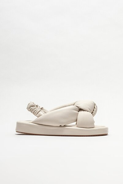 Elle Shoes Deri Dolgu Topuklu Sandalet