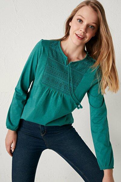 LC Waikiki Kadın Yeşil Dantel Detaylı Bluz