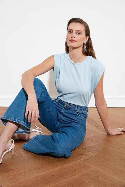 TRENDYOLMİLLA Mavi Kolsuz Basic Örme T-Shirt TWOSS20TS0021