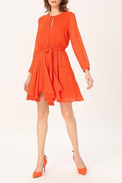 RANDOM Kadın Asimetrik Kesim Belden Bağlamalı Elbise %100 Polyester