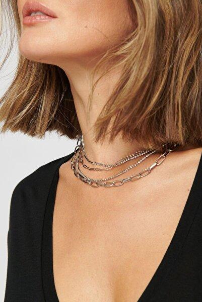 New Obsessions Kadın Gümüş Sıra Taşlı Zincirli Çoklu Kolye