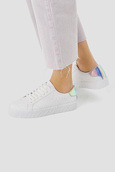 Pull & Bear Kadın Beyaz Yanardöner Detaylı Spor Ayakkabı 11204740