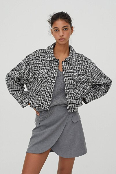 Pull & Bear Kadın Siyah Beyaz Kareli Crop Fit Ince Ceket