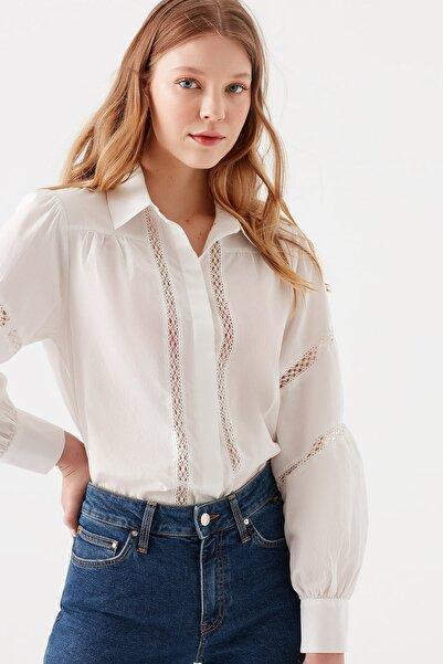Mavi Kadın Dantel Detaylı Beyaz Gömlek 122806-33389