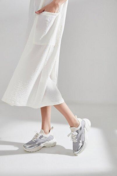 Yaya  by Hotiç Lame Kadın Sneaker  01AYY180830A210