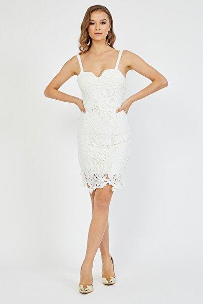 Dantelli Beyaz Kısa Elbise