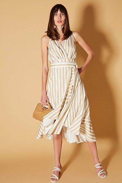 İpekyol Kadın Haki Anvelop Form Kuşaklı Elbise IS1200002482022
