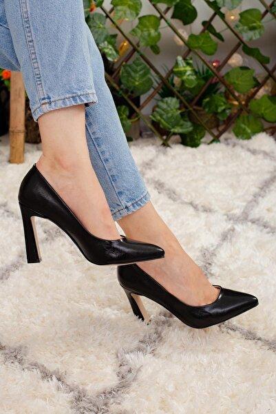 Limoya Joan Siyah Kırışık Deri Rugan Stiletto Ayakkabı