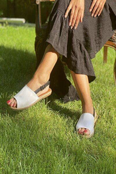 İnan Ayakkabı Beyaz Cilt Kadın Sandalet INA3000OGZ