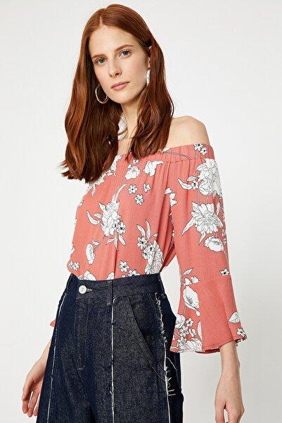 Kadın Pembe Beyaz Çiçek  Desenli Bluz 9YAK68530PW