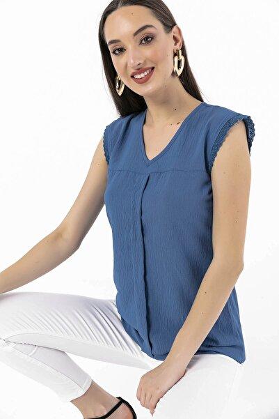 V Yaka Kolları Güpür Krep Bluz Mavi